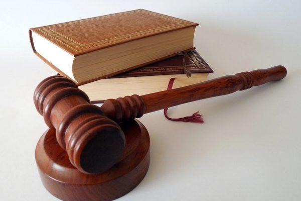 Nowe technologie w wymiarze sprawiedliwości są niezbędna. Przeszkodą - wykluczenie cyfrowe części Polaków