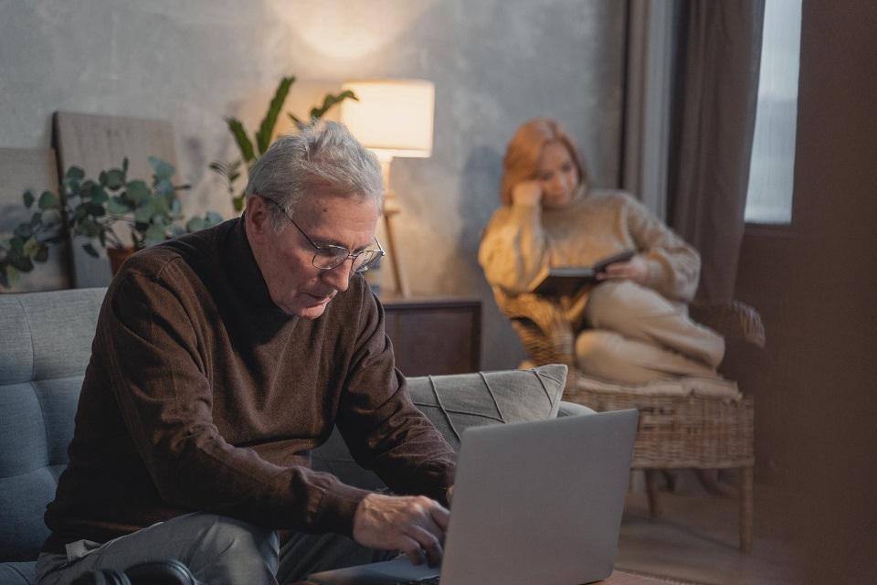 Poznań. Koniec programu przeciwdziałającego wykluczeniu cyfrowemu seniorów