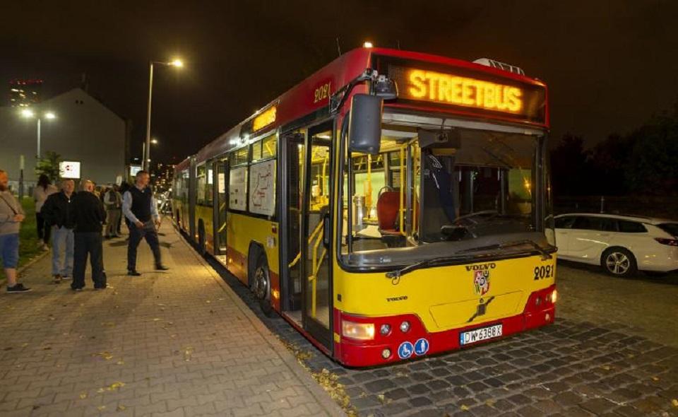 Wrocław. Streetbus z pomocą dla bezdomnych wrócił na ulice